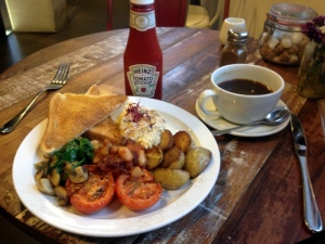 SUPER VEGETARIAN ENGLISH  BREAKFAST, with HIENZ KETCHUP (there's no escape)