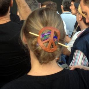 LOVE THE PEACE SYMBOL