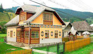 DECORATIVE ROMANIAN HOUSE