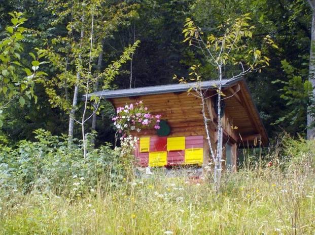 SLOVENIAN BEE HOUSE
