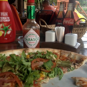 TABASCO, COCA COLA & PIZZA