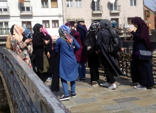 ?URKISH TOURIST ON THE STONE BRIDGE